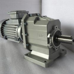 Цилиндрический мотор-редуктор на лапах TRC042H115(i=38,73)IEC90В14 с асинхронным (1)
