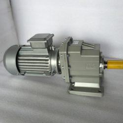 Цилиндрический мотор-редуктор на лапах TRC042H115(i=38,73)IEC90В14 с асинхронным (3)