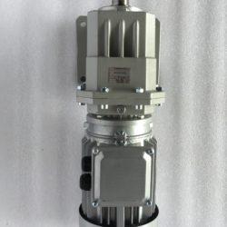 Цилиндрический мотор-редуктор на лапах TRC042H115(i=38,73)IEC90В14 с асинхронным (6)