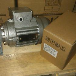 Червячный мотор-редуктор NMRV 030 с выходным валом