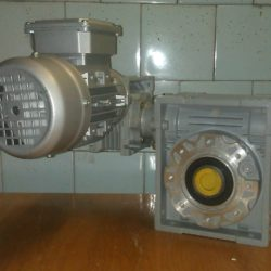 двухступенчатый мотор-редуктор-DRV