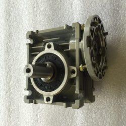 Червячный редуктор NMRV 030 с выходным металлическим валом